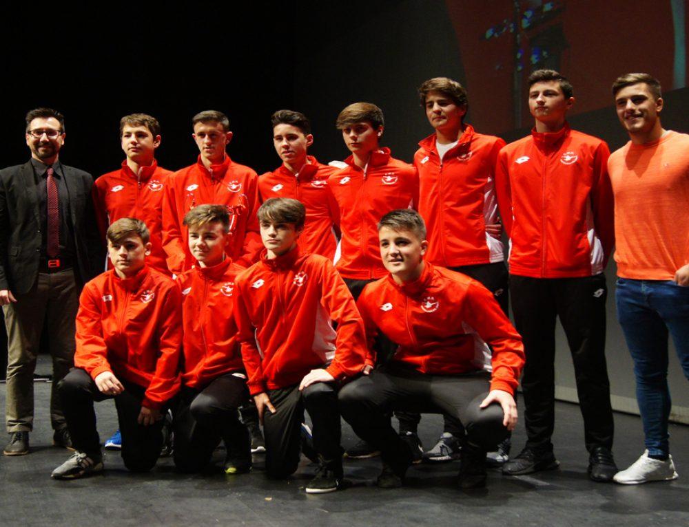 La gala del fútbol de Cantabria galardona a varios equipos del E.M.D. Santillana