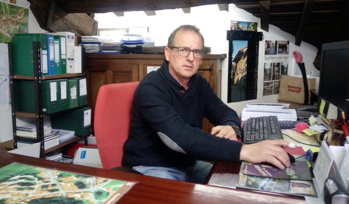 Miguel Ángel Viaña en su despacho