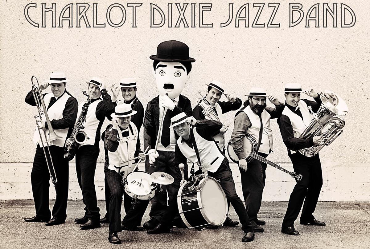 Charlot Dixie Jazz Band. Espectáculo itinerante por las calles de la villa
