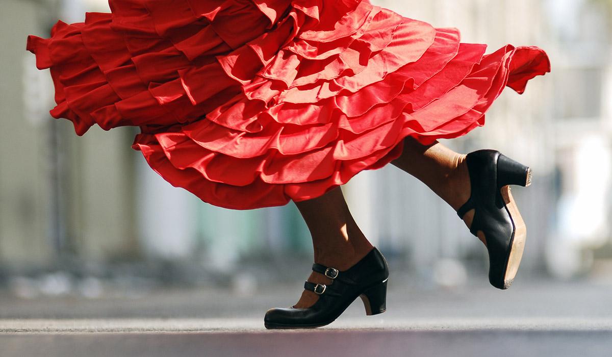 Un espectáculo flamenco y Paolo Latrónica, propuestas culturales del fin de semana en Santillana del Mar
