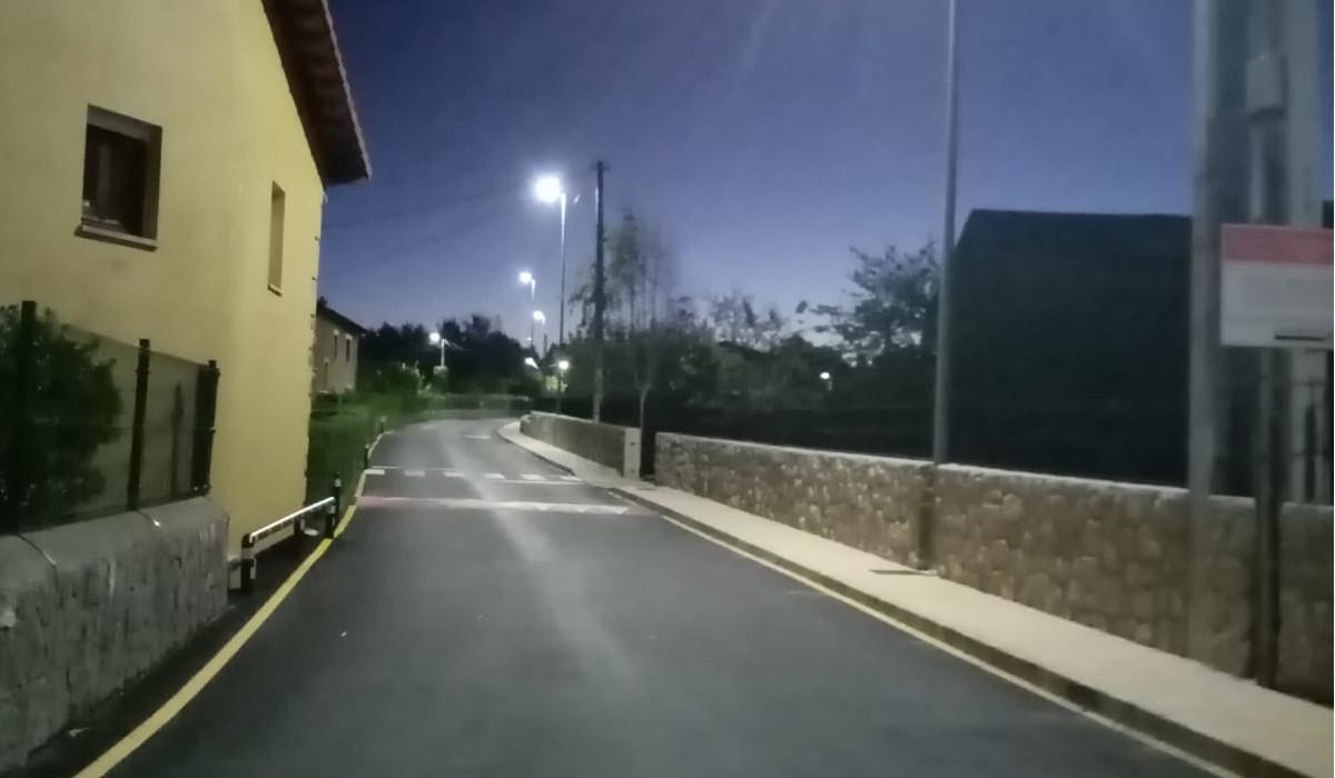 El Ayuntamiento de Santillana del Mar cambia el 50 por ciento del alumbrado municipal para el ahorro de energía
