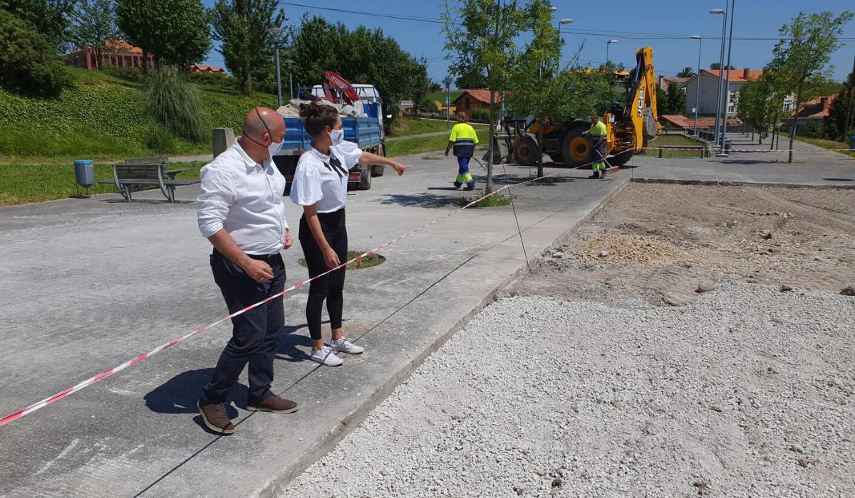 El Ayuntamiento de Santillana del Mar trabaja con la Consejeria de Deportes para la reforma de las áreas deportivo infantiles del municipio